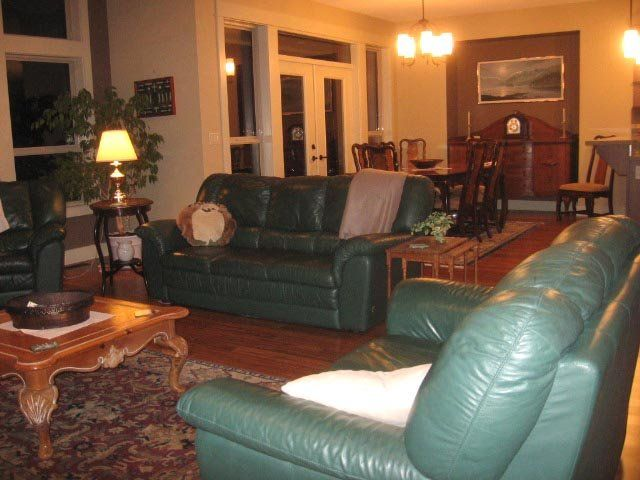 Executive Rental, with Views in a Rural Setting, Yet in Town.