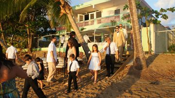 Rincon villa rental - Wedding on the beach at 8th and Ocean