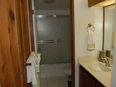 3 BR Large Deluxe Maui Condo Across from Beach (Air)