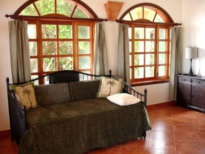 Placencia villa rental - Trundel bed in bedroom number 1