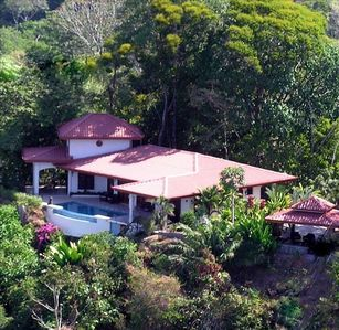 Bird's Point of View of villa with rancho. 1 Hectare tropical forest. Privacy.