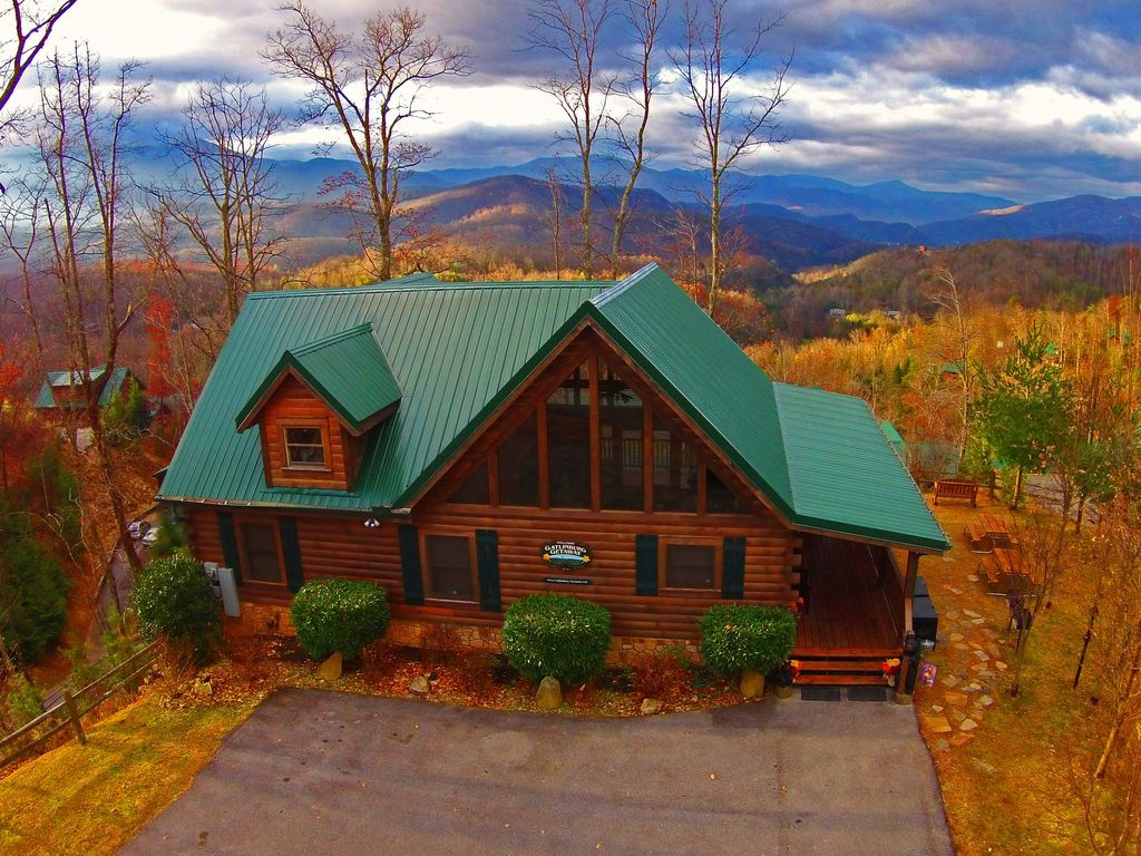 Gatlinburg getaway log home lodge best vrbo Best mountain view cabins in gatlinburg tn