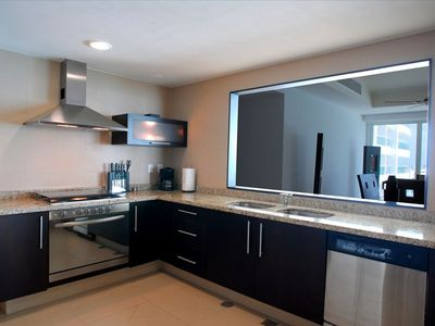 Modern Stainless Steel Kitchen with all Appliances