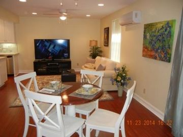 Temecula apartment rental - Open family/dining area