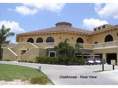Clubhouse! Formal dining room, grill room, and bar located onsite!!!