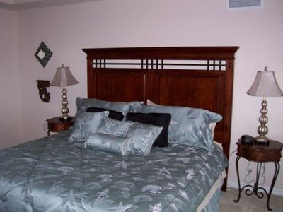 Punta Gorda condo rental - Master Bed with walk-in closet