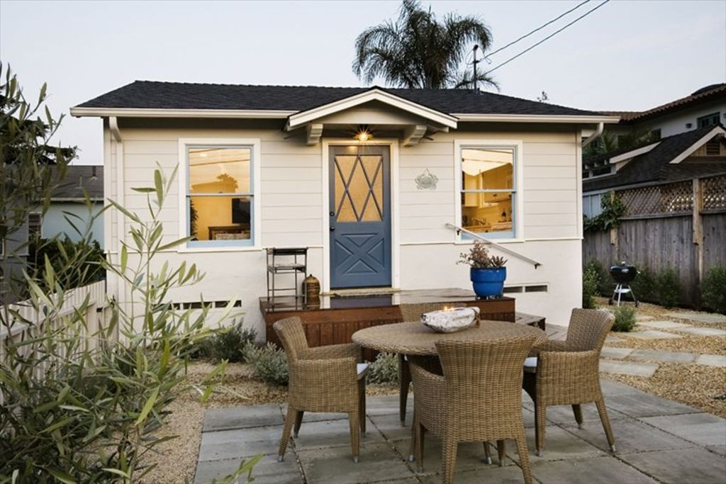 Stylish Cottage Retreat By The Sea In Vrbo