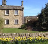 Lovely period Holiday cottage in Peak District with free wi-fi broadband