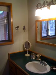 Black Hawk cabin photo - En-suite Master Bathroom.