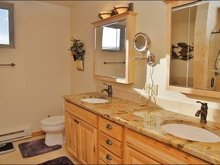 Big Sky townhome photo - Dual Sinks, Backlit Magnifying Mirror in Master Bath