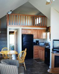 Grapevine cabin photo - Finely appointed...