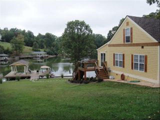 Moneta cottage photo - SIde of House and Dock