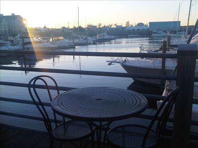 Boston house boat rental - Marina bay boardwalk