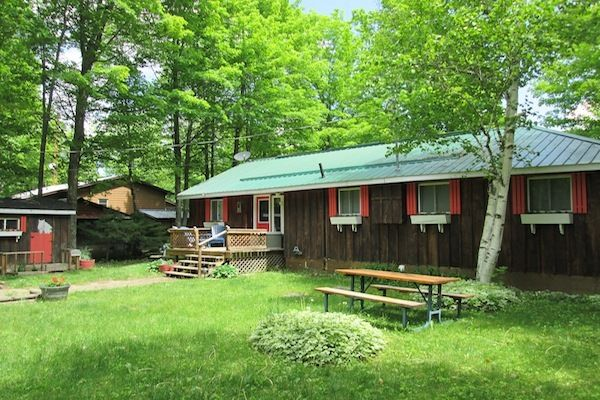 Heart 39 s home cottage come book today homeaway ontario for Cottage come case
