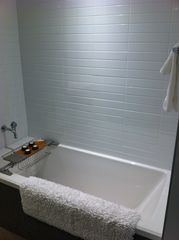 Vancouver apartment photo - Soaker tub