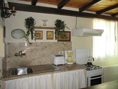 Apartment in cottage country north of Rome with garden
