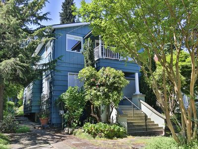Montlake Seattle Oasis 2 BD Top Floor / Private Apt / Duplex / UW & Capitol Hill