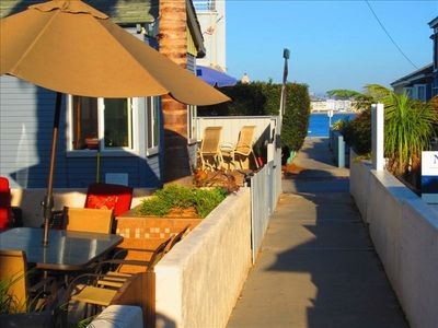 Steps away from the beach and bay. Private court walkway for privacy
