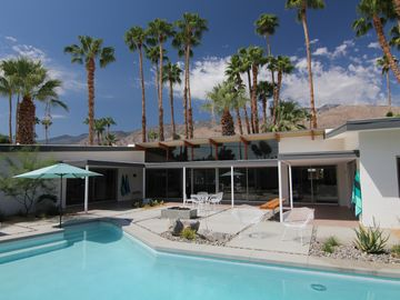 Palm Springs house rental - Backyard