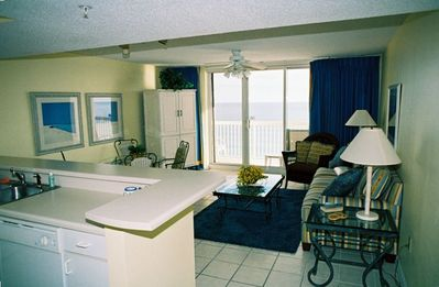 Living Room, great Gulf Views, TV with DVD and Stereo
