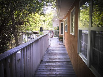 The Vera - 1 BD/1BA Furnished Apartment - Near Lake and Bike Trails, Mercer Univ