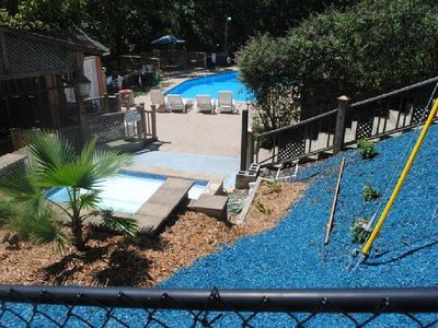 18 X 42 pool plus 'Kiddie' pool, shared with 2 cabins