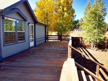 Williams house rental - Large private front porch