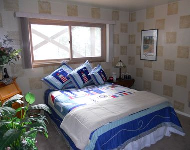 Lake Arrowhead house rental - King size bed