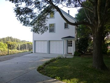 Aptos cottage rental - Pacific Oaks Vineyard Estate Guest House & Private guest room.