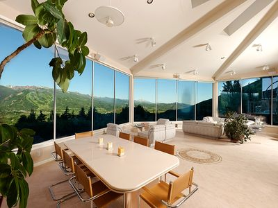 3-sided views wrap around, bringing the outdoors inside.