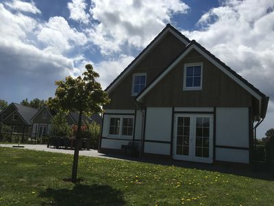 Luxurious and spacious holiday home with 6 bedrooms, three bathrooms and large garden