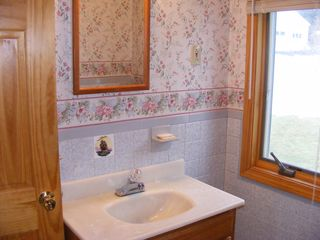 Harpswell cottage photo - 1st floor bath - Rocca di Mare