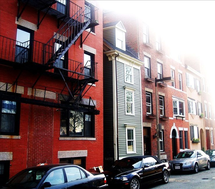 Historic Townhouse (the 'Skinny House') on the Freedom Trail