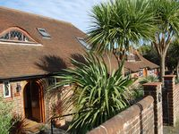 Luxury Weekend B and B - Double Room Private Bathroom, Hobbit House, Hove