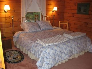 Surry house photo - king bed set-up