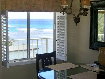 Dining table with ocean and Diamond Head views to the south.
