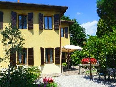 NICE HOUSE IN THE GREEN, NEAR THE TOWN CENTRE. VENICE AT 15 MINUTES BY TRAIN-WIFI FREE