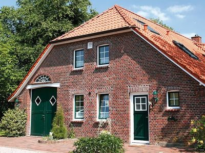 Idyllic situated country house in Utgast with 2 separate apartments - Krabbe