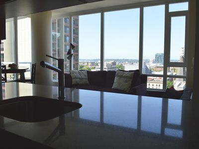 Stunning Highrise In Downtown Cultural District + Panoramic City Views