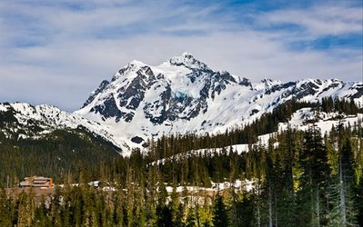 Stunning Mt. Baker is only one hour away, great for skiing, hiking, scenic view.