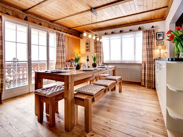 Chalet upper floor Breakfast Room with wooden floor