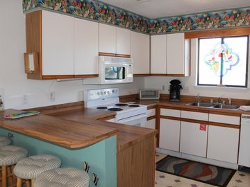 Cozy 2 BR, 2.5 BA unit! across from the playground!