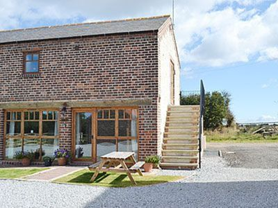 image for 2 bedroom property in Flamborough. Pet friendly.