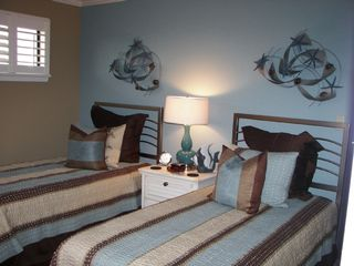Islander Destin condo photo - 2nd Bedroom with Twin Beds