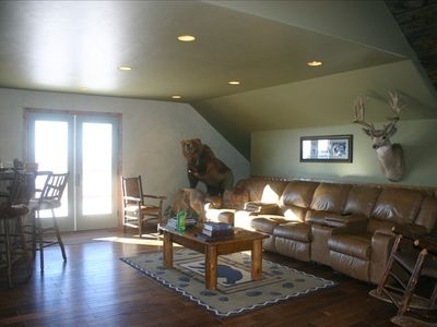 Beautiful Lodge Sitting in Middle of Elk Ranch