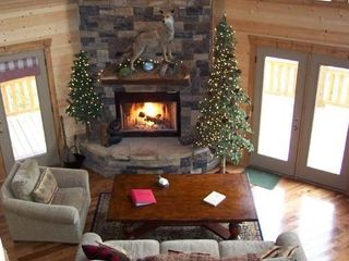 Blue Ridge cabin photo - Main Fireplace Indoor