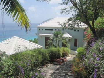 Tortola house rental - walkway to main house to the left is one of the private buildings