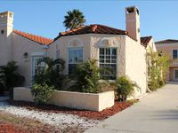 New Rental! Venice Island House-Walking Distance to Everything