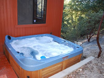 Idyllwild cabin rental - Spa, warm and bubbling.