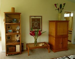 Kailua studio photo - Island style, clean and simple furnishings with TV, WiFi